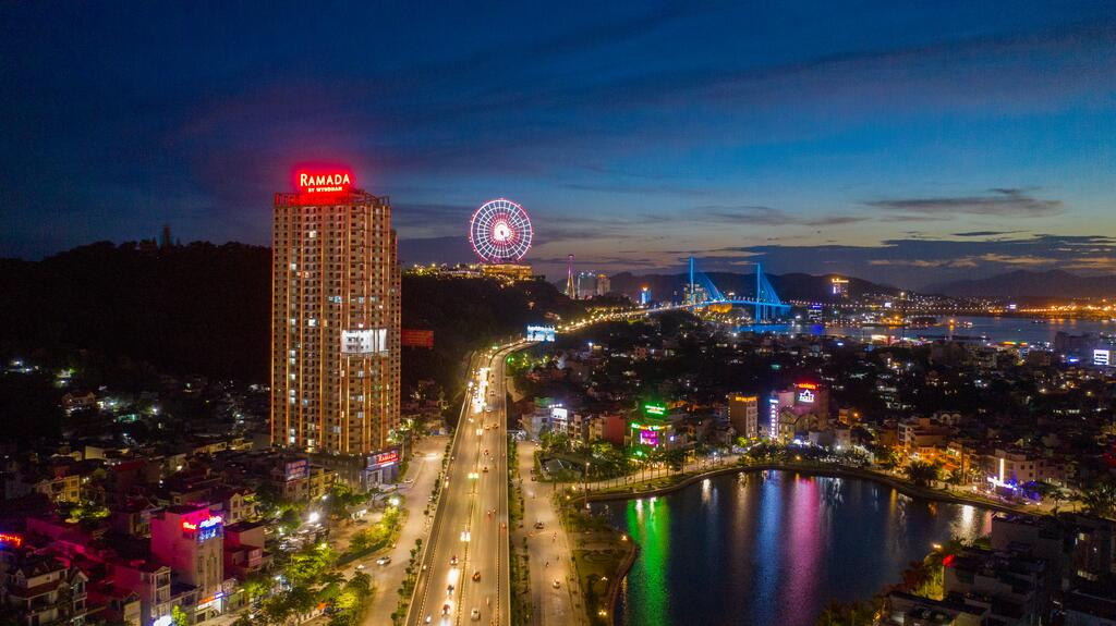 Ramada Hotel & Suites By Wyndham Ha Long